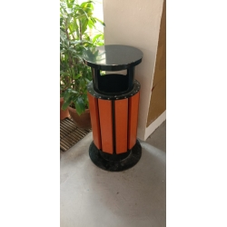Balauwood Bin with galvanized steel frame